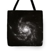 Pinwheel Galaxy, M101 Tote Bag by Science Source