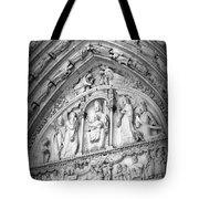 Prayers At Notre Dame - Black And White Tote Bag