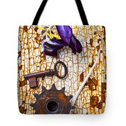 Rusty Key And Gear Tote Bag