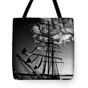 Sails In The Sunset Tote Bag by Hakon Soreide