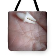 Smooth Tooth Wrinkled Hand Tote Bag