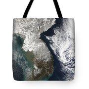 Snow In Korea Tote Bag by Stocktrek Images