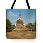 Stupa Chedi Of A Wat In Thailand Tote Bag