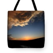 Sun Setting Behind The Horizon In Saskatchewan Tote Bag