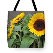 Sunflowers At Pikes Market Tote Bag