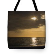 Sunset Over The Gulf - Peeking Through The Clouds Tote Bag