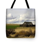 The Old Barn In The Meadow Tote Bag