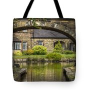 Through The Arch... Tote Bag
