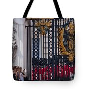 Tourists At Changing Of The Guards Tote Bag