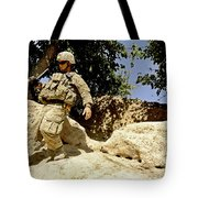 U.s. Army Soldier Climbs Down A Hill Tote Bag