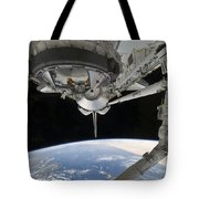 View Of Space Shuttle Discovery Tote Bag by Stocktrek Images