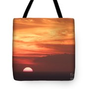 Waikiki Sunset No 4 Tote Bag