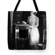 Woman With Phonograph 1908 Tote Bag