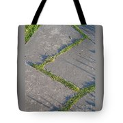 Zig-zagging Tote Bag