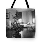 Christmas Tree In Hospital Ward 1923 Black White Tote Bag