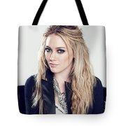 83110 Blonde Jacket Sitting Simple Background Hazel Eyes Hilary Duff Women Tote Bag