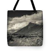 Bnw Volcan De Fuego - Sacatepequez Tote Bag