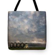 Mammatus Storm Clouds Tote Bag