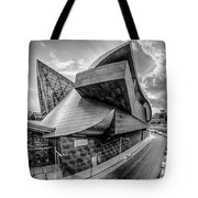 Roanoke Virginia City Skyline In The Mountain Valley Of Appalach Tote Bag