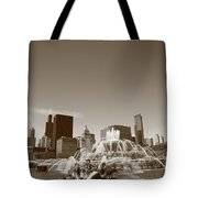 Chicago Skyline And Buckingham Fountain Tote Bag