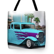 1932 Ford 'down Town' Coupe Tote Bag