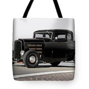 1932 Ford 'louvered' Coupe Tote Bag