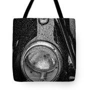 1962 Vw Beetle In The Rain Tote Bag