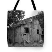 Barn In Kentucky No 69 Tote Bag