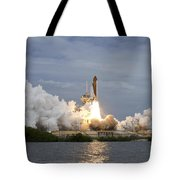 Space Shuttle Atlantis Lifts Tote Bag