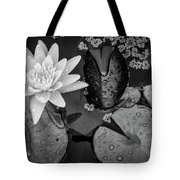 4475- Lily Pads Black And White Tote Bag