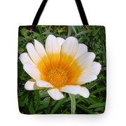 Australia - White Yellow Daisy Flower Tote Bag