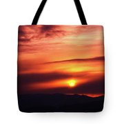 A Slow Sunset      Tote Bag