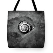 A Snail On A Leaf Tote Bag