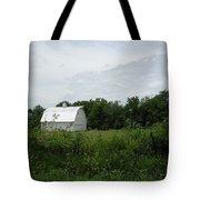 A White Barn In Missouri Tote Bag