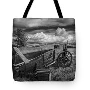 Abandoned Broken Down Frontier Wagon In Black And White Tote Bag