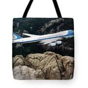 Air Force One Flying Over Mount Rushmore Tote Bag