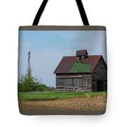 An Old Illinois Barn Tote Bag