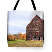 An Old Wooden Barn In Vermont. Tote Bag