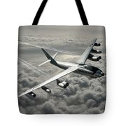 B-47e Stratojet With Contrails Tote Bag