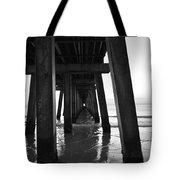 Bajo El Muelle De Naples Der Tote Bag