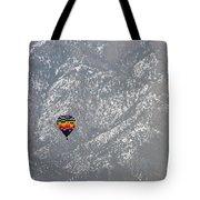 Ballon Verses Mountain Tote Bag