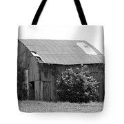Barn In Kentucky No 58 Tote Bag
