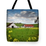 Barn Paso Robles, Ca Tote Bag