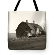 Barn Vermont Horizontal Tote Bag