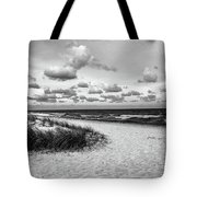 Beach Sunset Bw Tote Bag