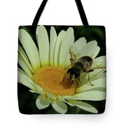 Bee On A Daisy Tote Bag