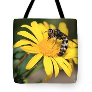 Big Bee On Yellow Daisy Tote Bag