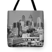 Black And White Philadelphia - Delaware River Tote Bag