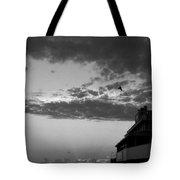 Black And White Pre-sunrise On Daytona Beach Pier  002 Tote Bag