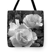 Black And White Roses 1 Tote Bag